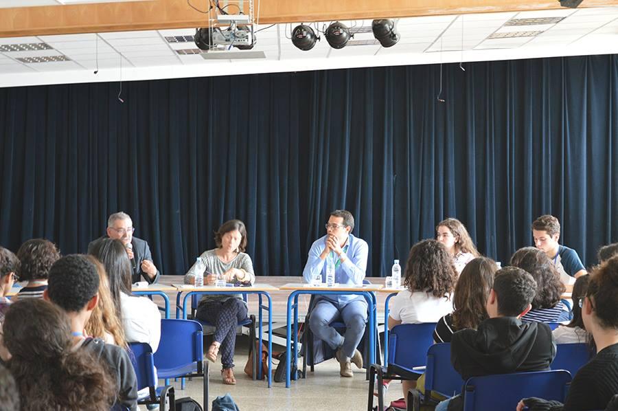 Conférence-débat – Le journal du Groupe Scolaire Andre Malraux 2301b2c443e